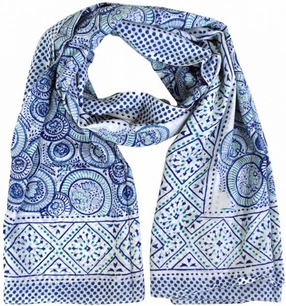 Weisses Sarong Tuch mit Indigo Muster